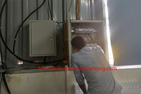 Thợ thi công điện chuyên nghiệp HP